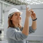 IoT Management Platform field engineer installing using the Daizy app